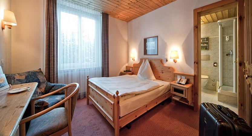 Switzerland_Graubünden-Ski-Region_Arosa-Lenzerheide_Hotel_Waldhotel_double_room.jpg