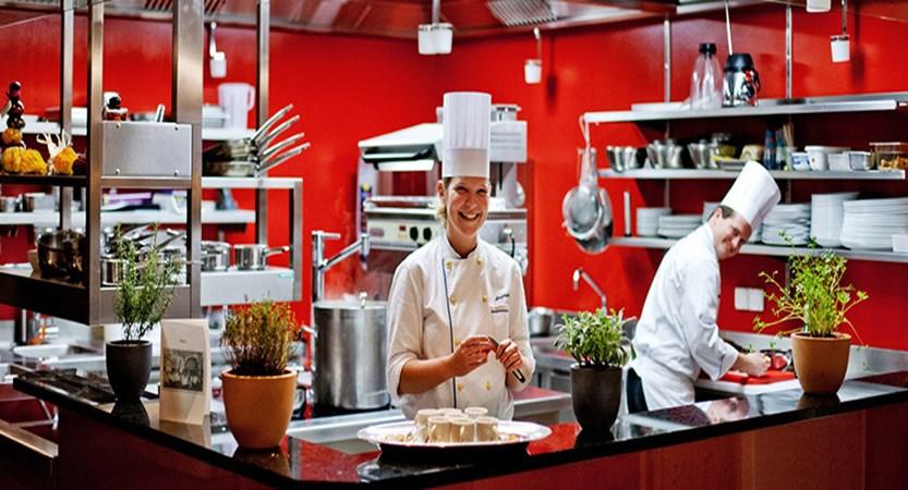 Switzerland_Graubünden-Ski-Region_Arosa-Lenzerheide_Hotel_Waldhotel_kitchen.jpg