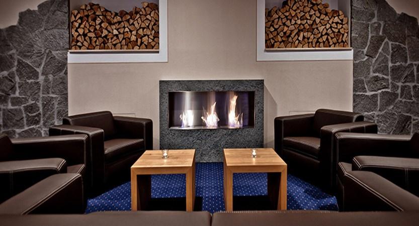 Switzerland_Graubünden-Ski-Region_Arosa-Lenzerheide_Hotel_Waldhotel_lounge.jpg