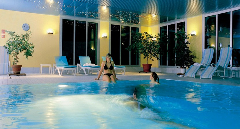 Switzerland_Davos_Hotel_Central_Sport_indoor_pool3.jpg