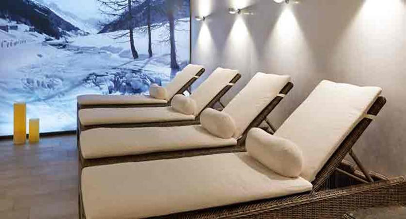 Switzerland_Davos_Hotel_Seehof_relaxation_area.jpg