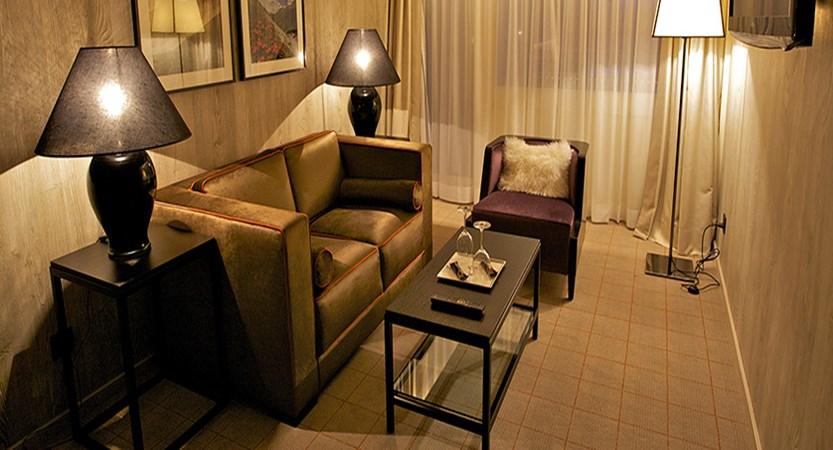 Switzerland_Davos_Hotel_Grischa_suite_lounge.jpg