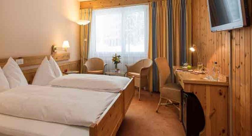 switzerland_davos_sunstar-alpine-hotel_bedroom.jpg