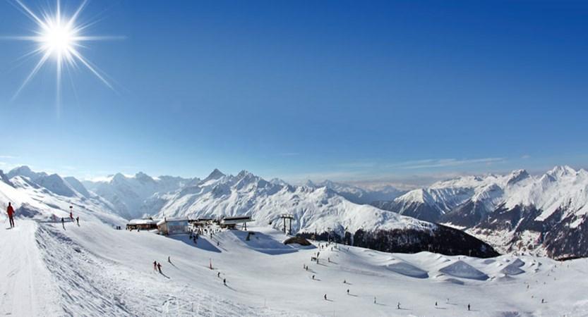 Switzerland_Graubünden-Ski-Region_Davos_Jakobshorn-view-panorama.jpg