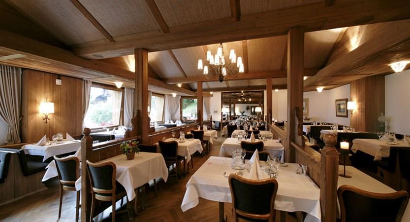 Switzerland_Wengen_Hotel-Alpenrose_Restaurant.jpg