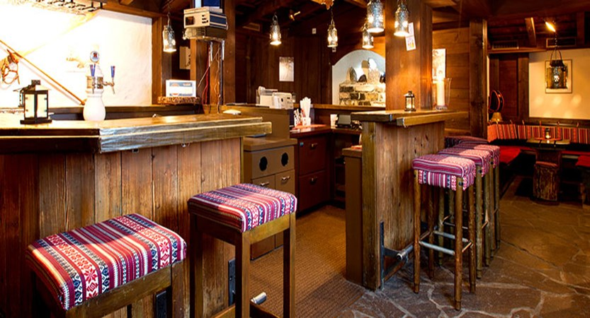 switzerland_wengen_hotel_siberhorn_bar2.jpg
