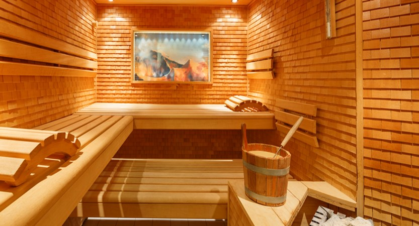 Switzerland_Wengen_Hotel-Beausite-Park-Jungfrau-Spa_sauna-wellness-area.jpg