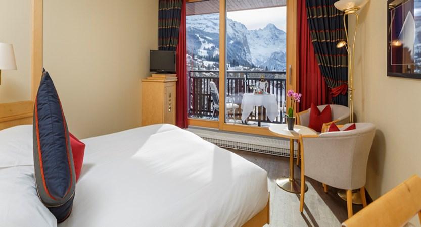 Switzerland_Wengen_Hotel-Beausite-Park-Jungfrau-Spa_twin-bedroom4.jpg