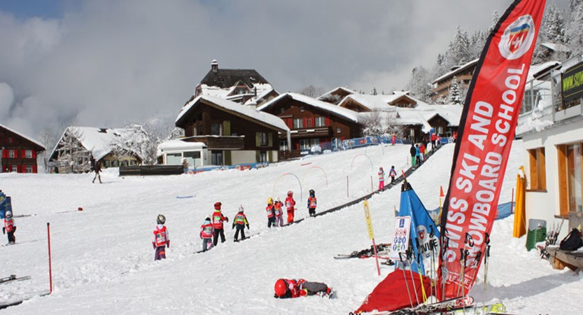 Switzerland_Jungfrau-Ski-Region_Wengen_Ski-school2.jpg