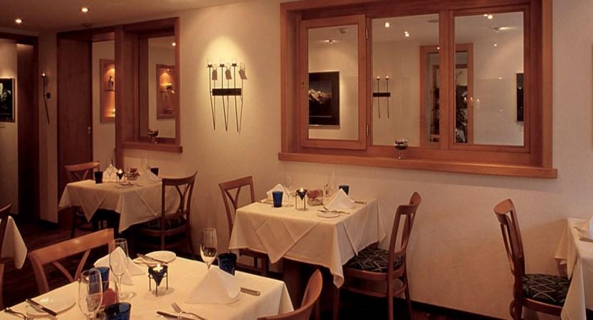 Switzerland_Grindelwald_Hotel-Eiger_Dining-room.jpg