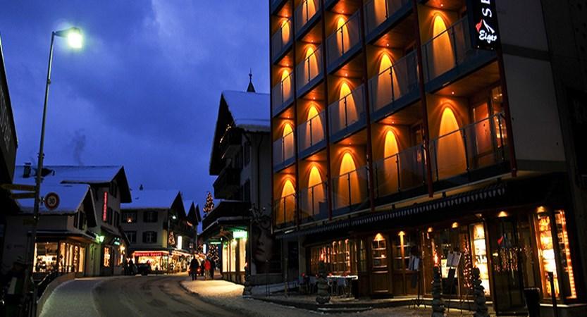 Switzerland_Grindelwald_Hotel-Eiger_Exterior-night2.jpg