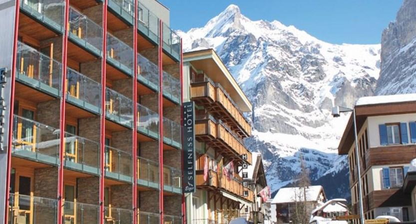 Switzerland_Grindelwald_Hotel-Eiger_Exterior-winter.jpg