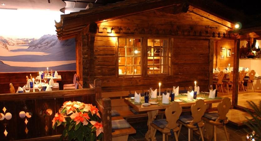 Switzerland_Grindelwald_Hotel-Eiger_Restaurant.jpg