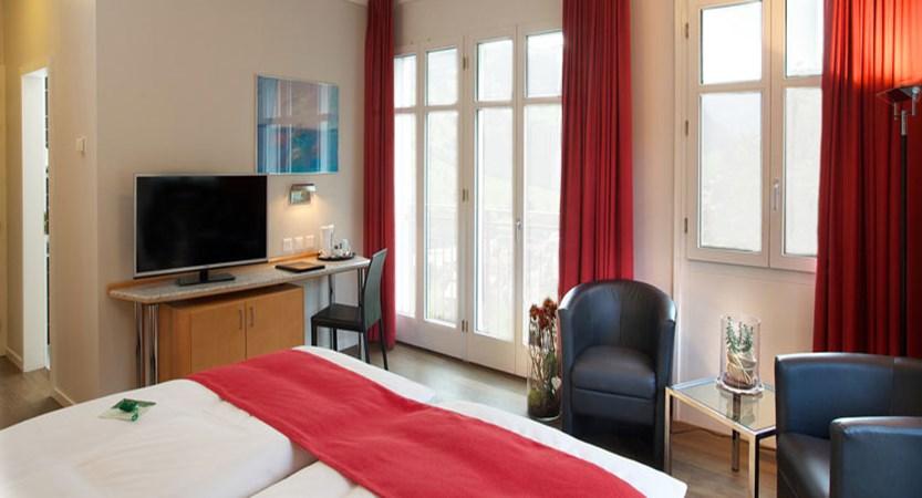 switzerland_jungfrau-ski-region_grindelwald_hotel-belvedere_classic-bedroom4.jpg