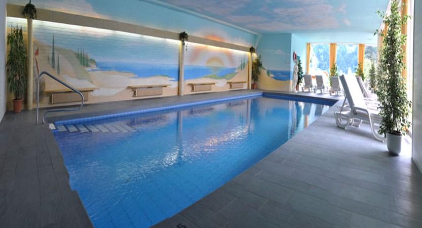 Switzerland_Grindelwald_Romantik-hotel-Schweizerhof_Indoor-pool.jpg