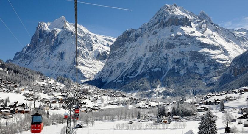 Switzerland_Jungfrau-ski-region_Grindelwald_Männlichen-cable-cars.jpg