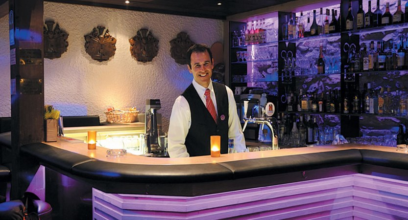Switzerland_Murren_Hotel-Eiger_Bar.jpg
