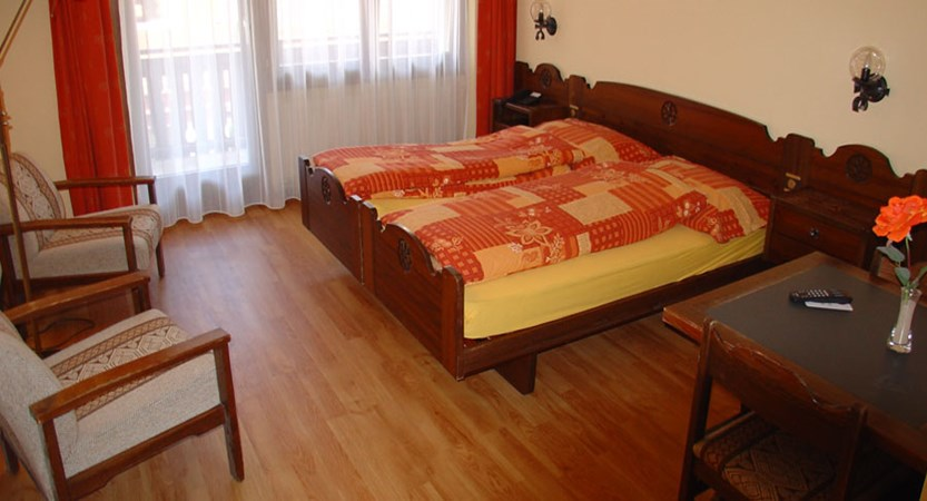 Switzerland_Saas-Fee_Hotel_Europa_twin_bedroom.jpg