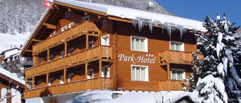Switzerland_Saas-Fee_Hotel-Park_Exterior-winter.jpg