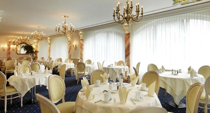 Switzerland_Saas-Fee_Hotel-Schweizerhof-gourmet-spa_Breakfast-room2.jpg