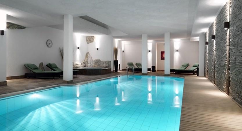 Switzerland_Saas-Fee_Hotel-Schweizerhof-gourmet-spa_Indoor-pool.jpg