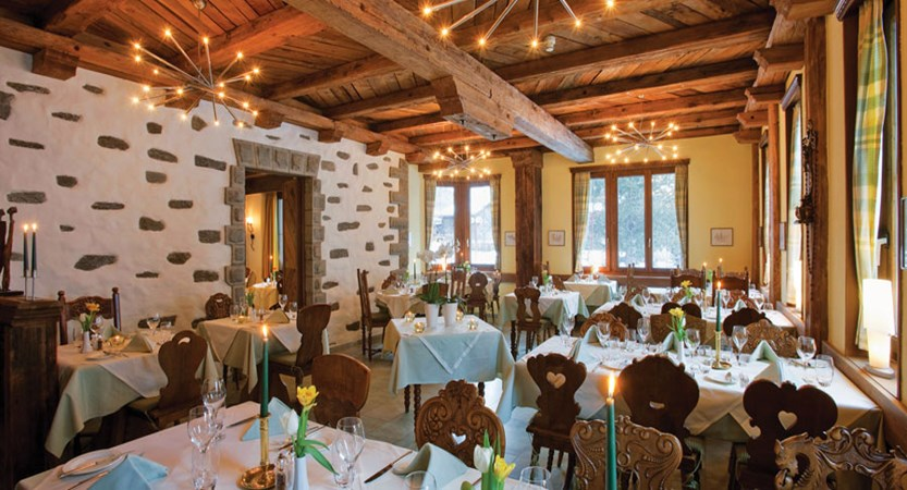 Switzerland_Saas-Fee_Hotel-Allalin_Dining-room.jpg