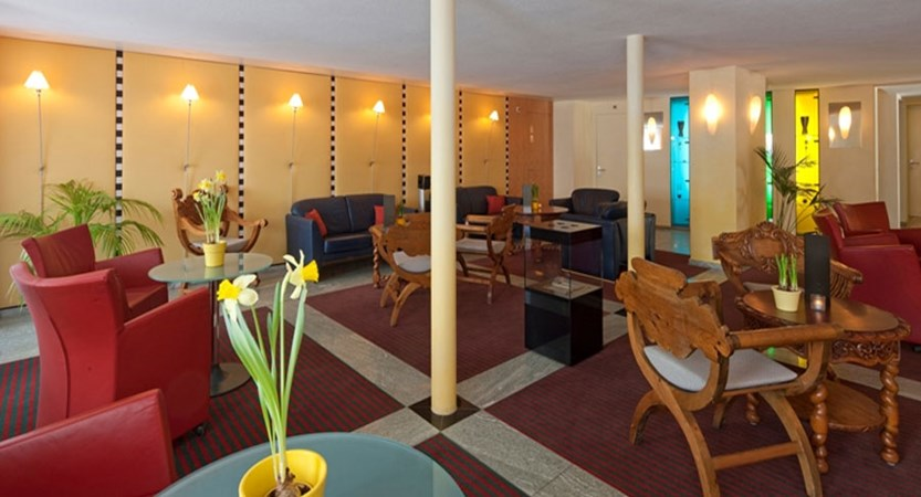 Switzerland_Saas-Fee_Hotel-Allalin_Lobby.jpg