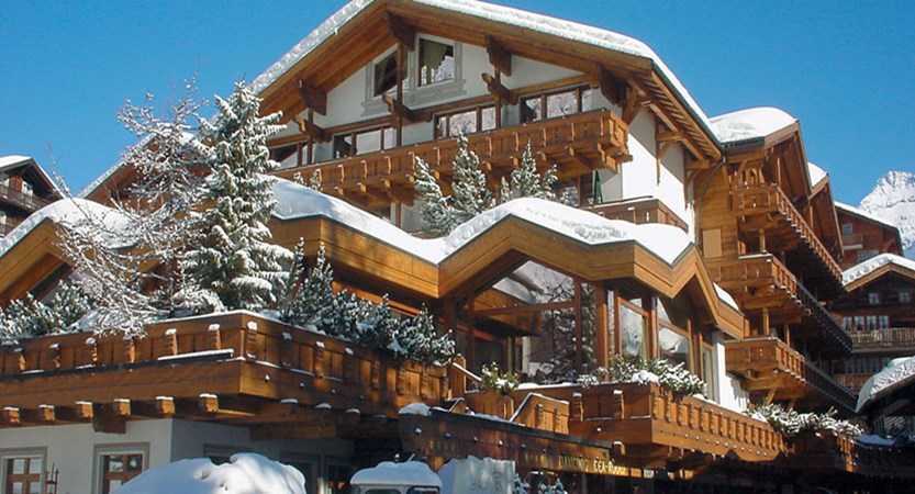 Switzerland_Saas-Fee_Walliserhof Grand Hotel & Spa_Exterior-winter.jpg