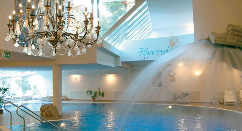 Switzerland_Saas-Fee_Walliserhof Grand Hotel & Spa_Indoor-pool2.jpg