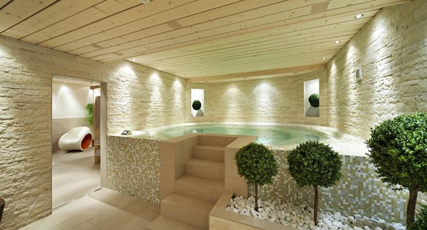 Switzerland_Verbier_Hotel-Vanessa_Whirlpool2.jpg