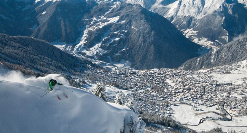 Switzerland_Verbier_extreme-off-piste-skier.jpg