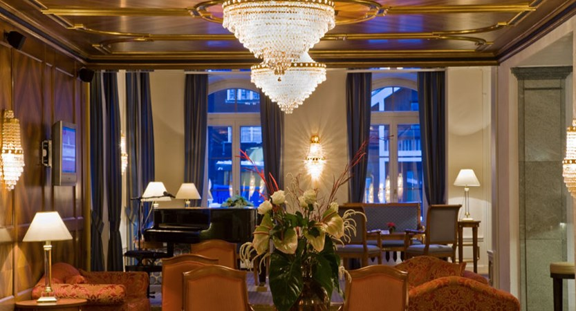 Switzerland_Zermatt_Grand_Hotel_Zermatterhof_lobby.jpg