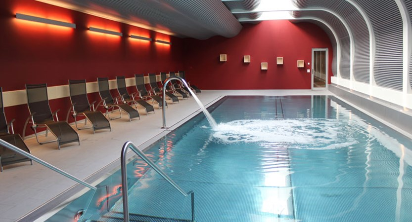 Switzerland_Zermatt_Hotel-Ambassador_Indoor-pool.jpg