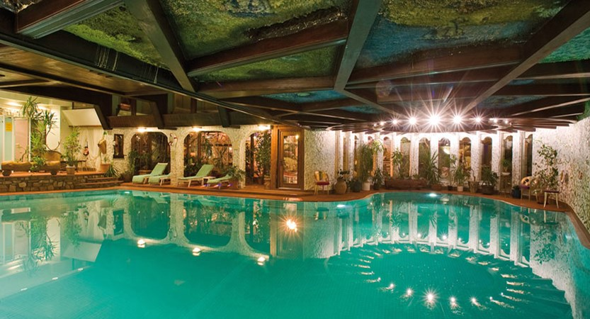 Switzerland_Zermatt_Hotel_Alex_indoor_pool.jpg