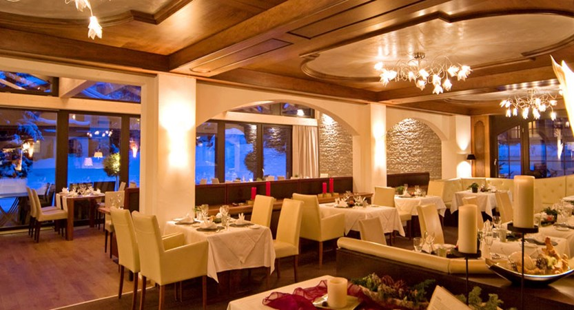 Switzerland_Zermatt_Hotel-Mirabeau_Restaurant.jpg