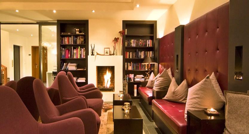 Switzerland_Zermatt_Hotel-Mirabeau_Wine-lounge.jpg
