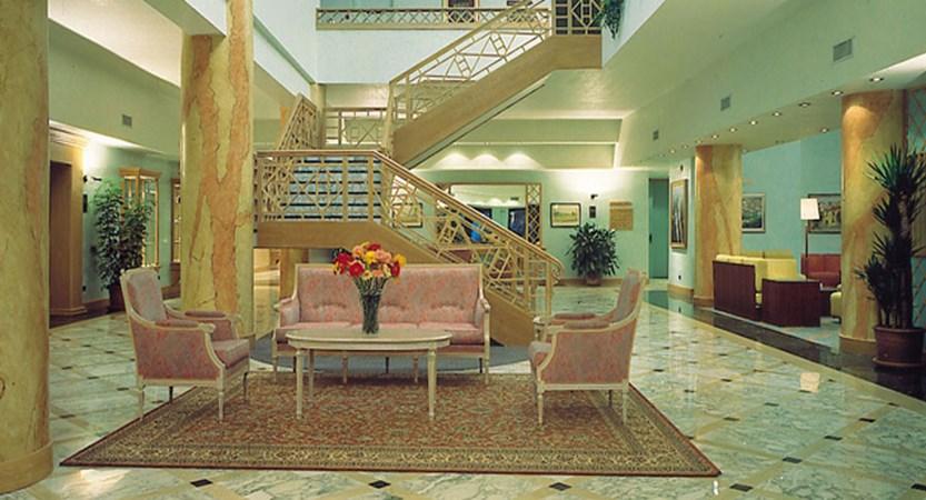 Hotel Oliveto, Desenzano, Lake Garda, Italy - Hall and lobby.jpg