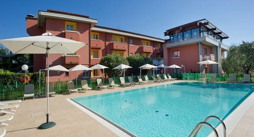 Hotel Oliveto, Desenzano, Lake Garda, Italy - outdoor pool.jpg