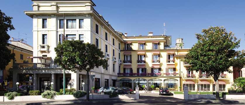 Hotel Park, Desenzano, Lake Garda, Italy - exterior.jpg