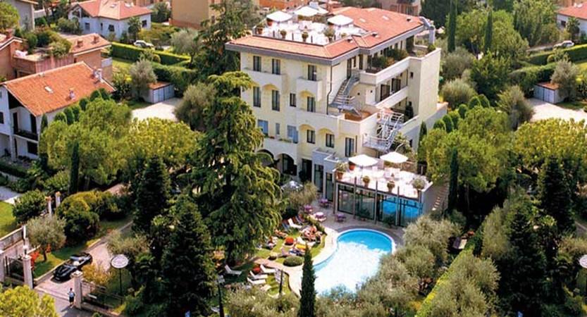 Piccola Vela Hotel, Desenzano, Lake Garda, Italy - Exterior aerial view.jpg