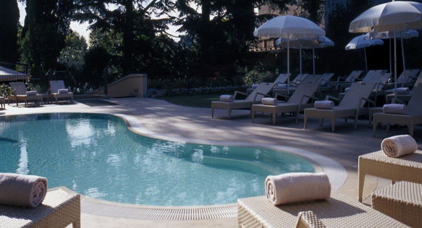 Villa-Rosa-Hotel-Outdoor Pool.jpg