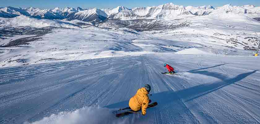 skiers-on-the-piste-in-banff.jpg