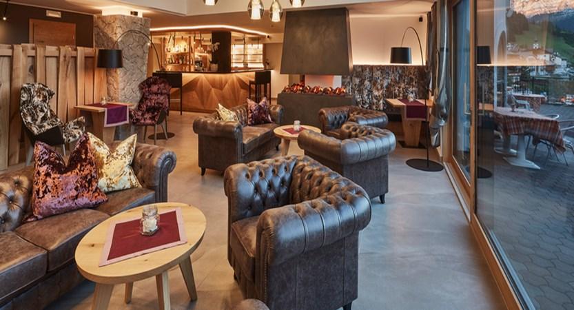 Lounge at Hotel Mezdi.jpg