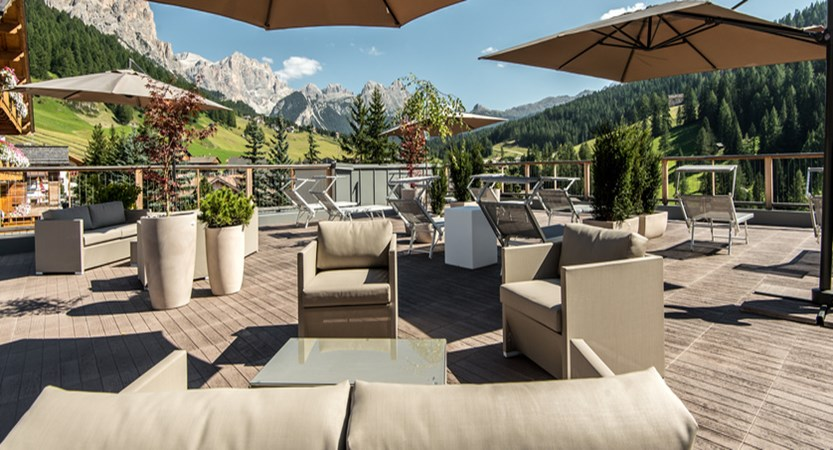 Hotel Diamant, San Cassiano, Italy - Sun terrace.jpg
