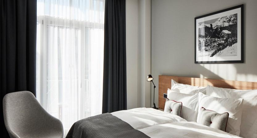 switzerland_davos_hard-rock-hotel_spenglers-bedroom-sbk_1.jpg