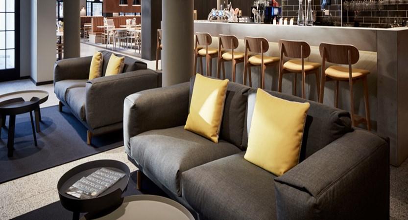 switzerland_davos_hard-rock-hotel_spenglers-lobby.jpg