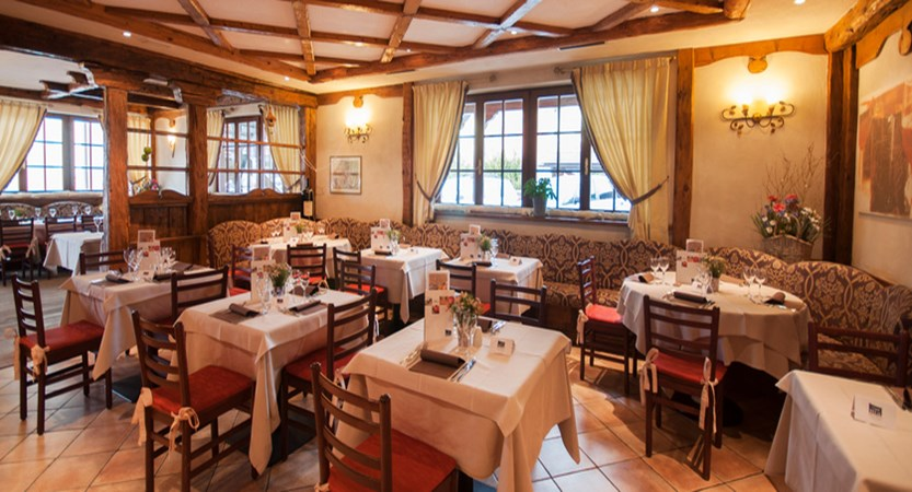 golf-hotel-folgaria-restaurant.jpg