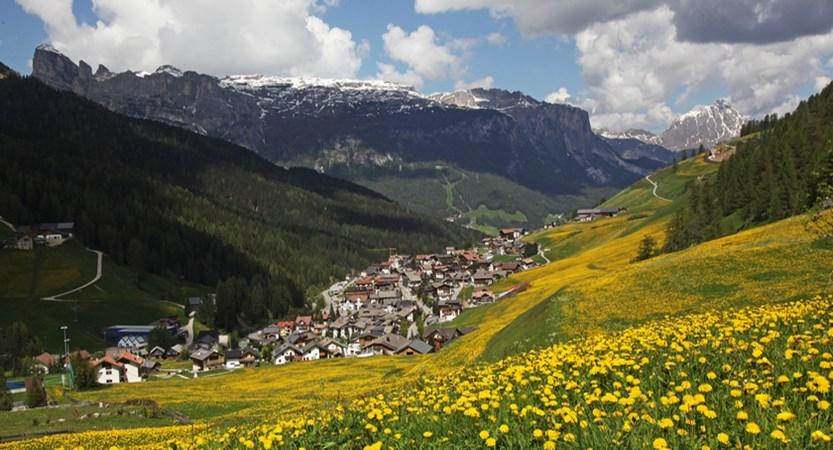 san-cassiano-dolomites-italy-valley-view.jpg