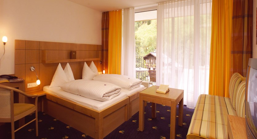 double-room-hotel-der-waldhof-zell-am-see-austria - Copy.jpg