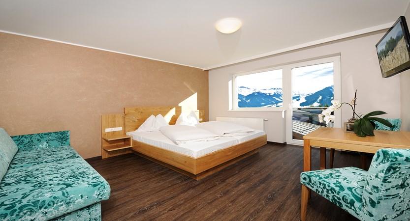 bedroom-hotel-almrausch-hinterglem-austria.jpg